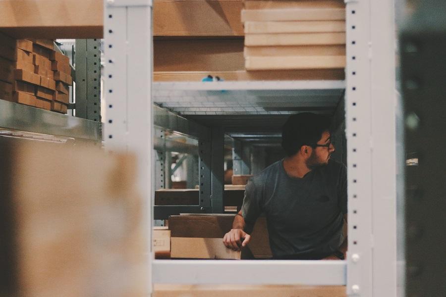 factory-man-planks-1797415